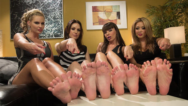 Popular pay porn site with foot fetish content.